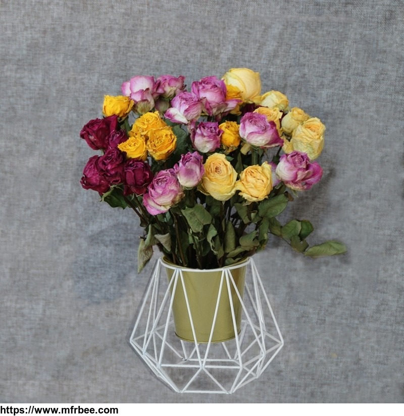 metal_flower_stand_with_gold_pot