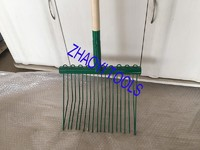 1055033 high quality steel wire spading manure prong dung hay forks