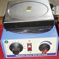 Hot Plate with magnetic stirrer with 2 Litres