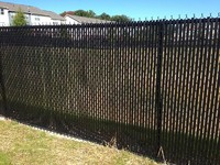 CHAIN LINK FENCE WITH SLAT