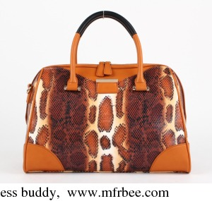 Luxury and beautiful snake pattern lady handbag