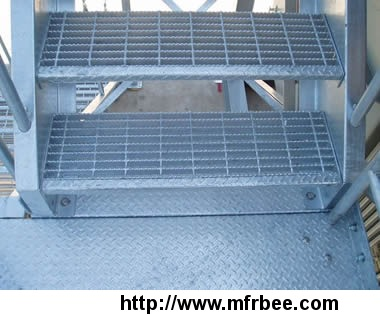 excellent_skid_resistant_serrated_bar_steel_grating