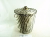 TL-42730 hot sale eco-friendly handmade woven storage basket with lid
