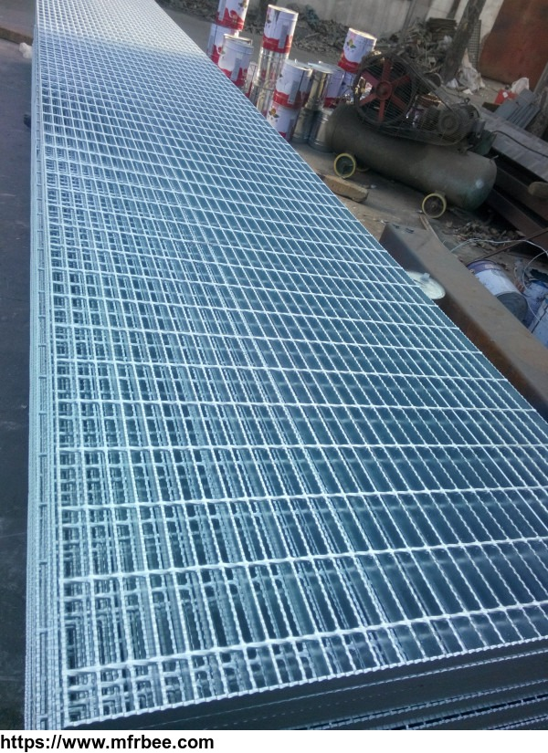 galvanized_steel_grid_for_floors_with_tooth_surface_with_support_plate_1_x3_16_